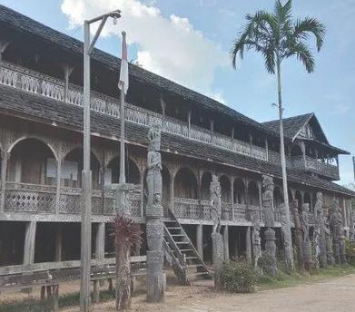 Rumah Adat Kalimantan Timur: filosofi, ciri, ciri khas